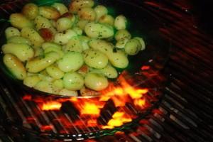 Für den Kartoffelsalat vom Grill